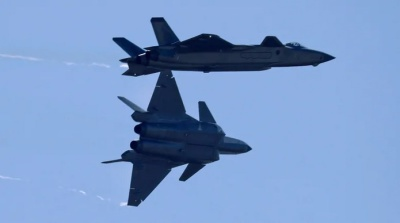 """alt=""""Chinese jets buzzed Canadian naval ships in East China Sea"""""""