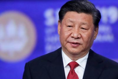 """alt=""""China's Xi says the Gulf region stands at 'crossroads of war and peace'"""""""