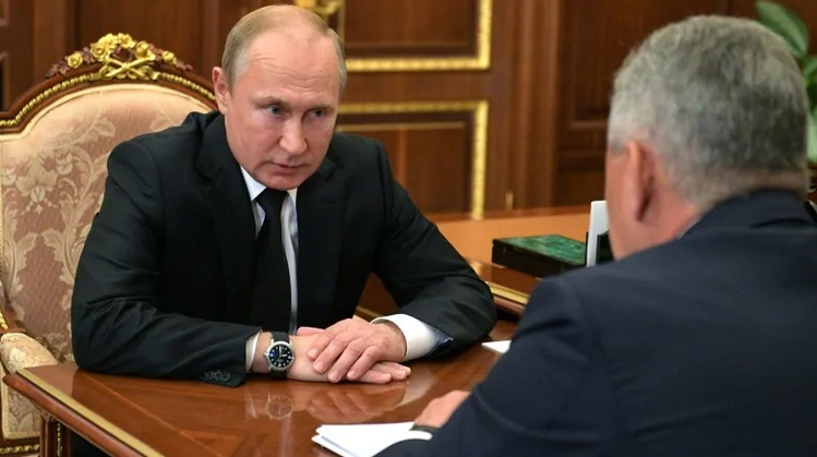 """alt=""""Putin says fire was on Russian nuclear-powered submarine"""""""