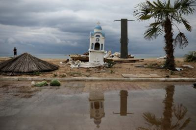 """alt=""""Violent Thunderstorms Kill at Least 7 in Northern Greece"""""""