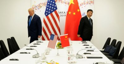 """alt=""""Trade war to drag on as Trump says long way to go & China strikes hard-line tone"""""""