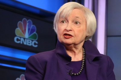 """alt=""""Former Fed Chair Janet Yellen says she's in favor of an interest rate cut"""""""