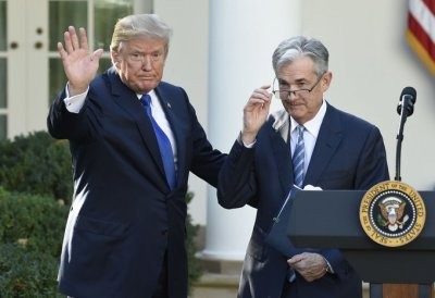 """alt=""""Trump says Fed Chief Powell 'let us down' by not clearly signaling more rate cuts"""""""