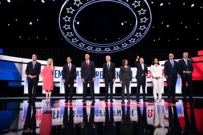 "alt=""5 Highlights From Night 2 of Democratic Debates"""