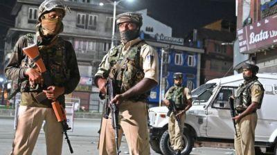 "alt=""Boldest Kashmir Move in 70 Years Boosts Modi, Provokes Pakistan"""