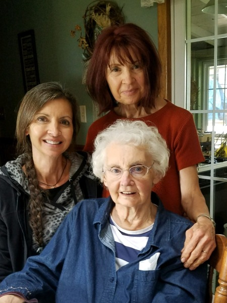Agnes' Mother's 89th Birthday and Oldest Sister