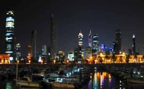 صورة ليلية لمدينة الكويت