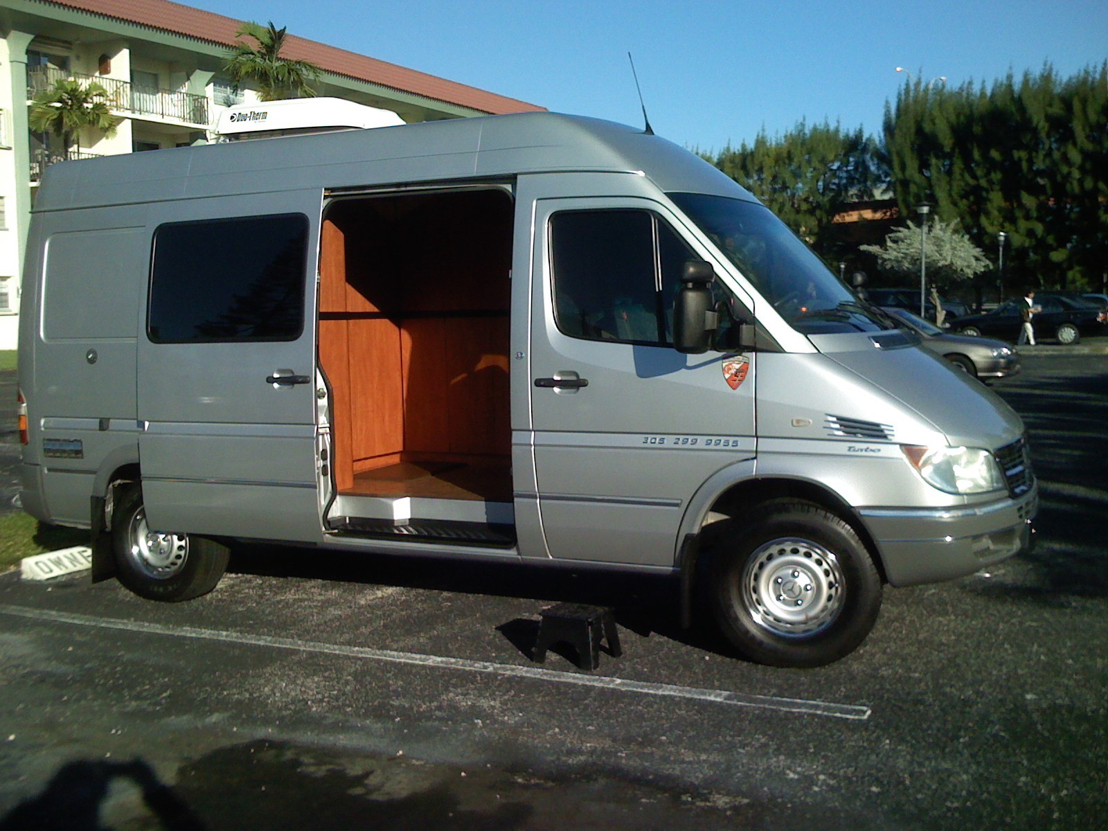 mOBILE SCISSOR SHARPENING VAN