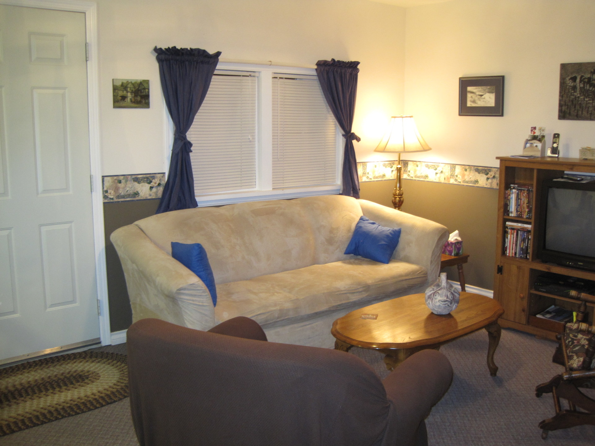 living room, main level kitchenette