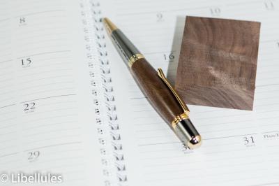 "<img alt=""walnut wood parker pen"">"