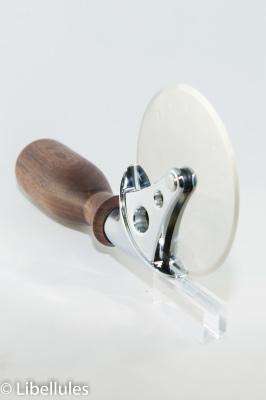 """<img alt=""""pizza cutter wheel"""">"""