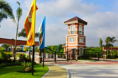 The Entrance Gate Bellefort Estates Molino Bacoor House and lot for sale in cavite