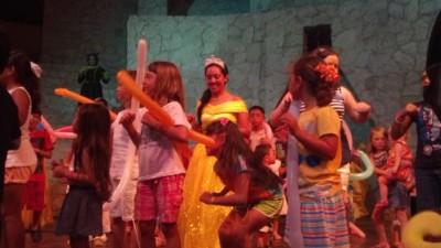 Vidanta Happy Day Song Dance