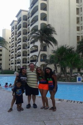 The Royal Caribbean Resort with my nieces Jennifer, Tania and Belen