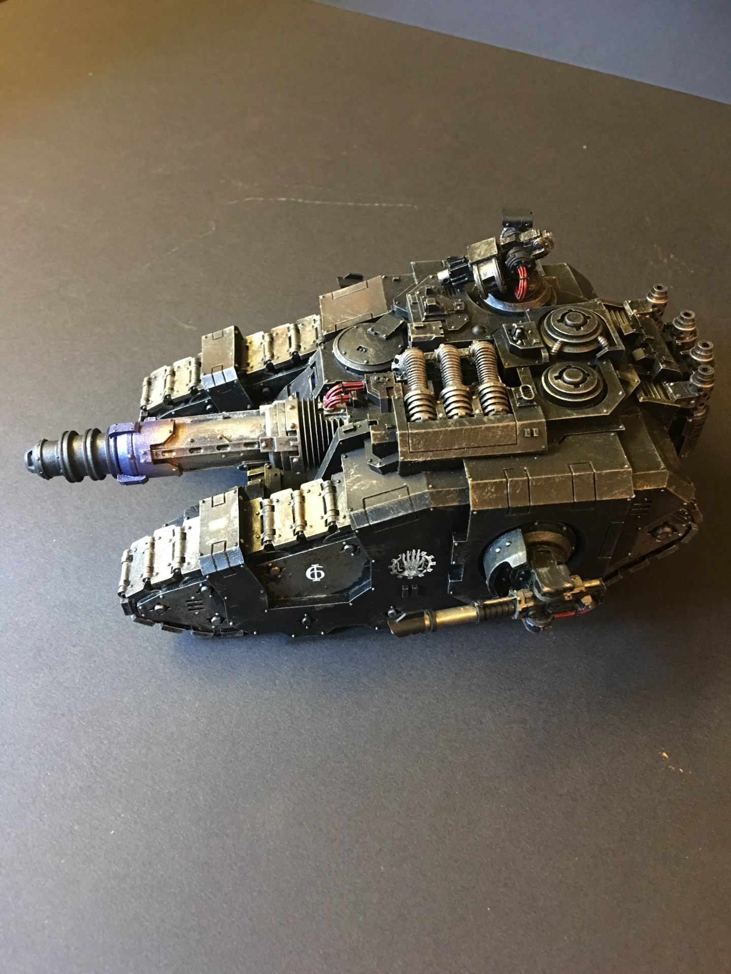 Iron Hands Legion Sicaran Venator