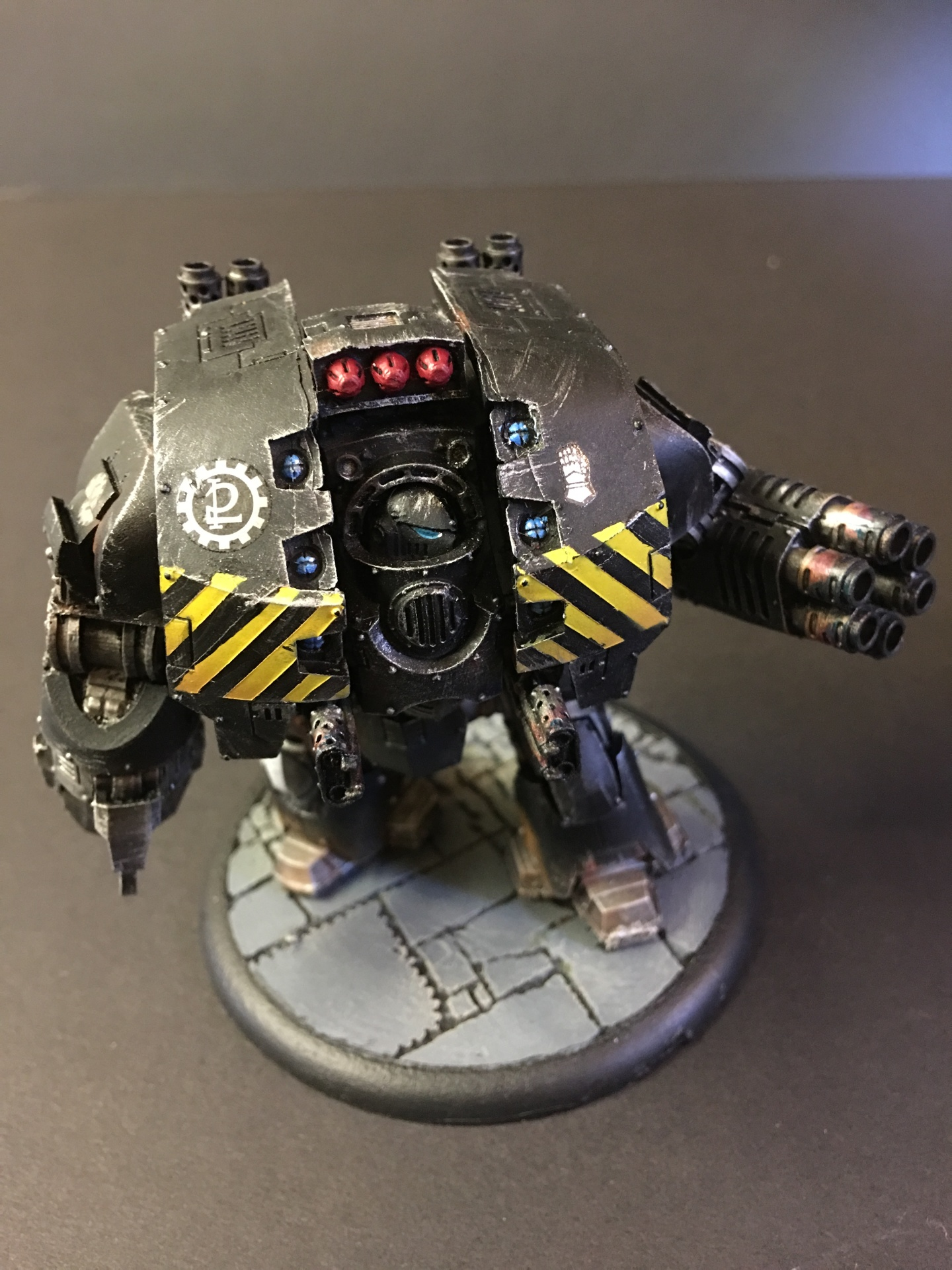 Leviathan pattern Siege Dreadnought with Cyclonic Melta Lance and Siege Claw
