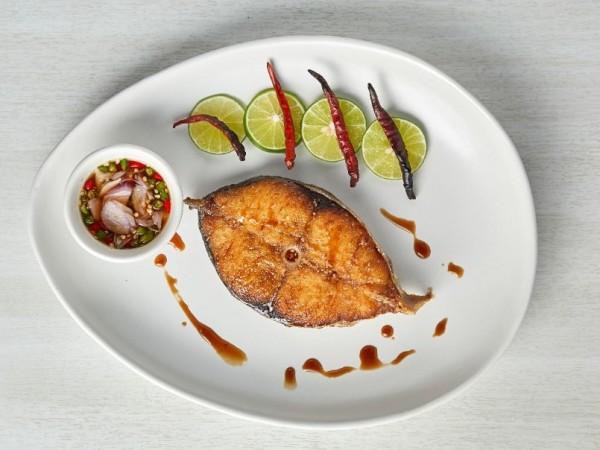 ปลาอินทรีอ่าวไทยทอดน้ำปลา