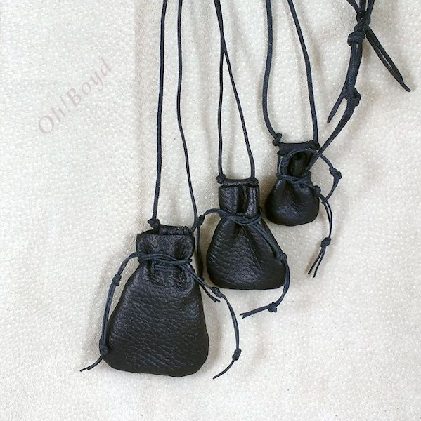 Drawstring medicine bags come in black or brown, three sizes.
