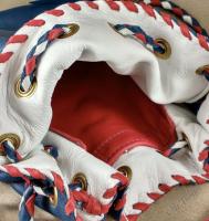 Choose lining color and pocket color for the inside of your shoulder bag.