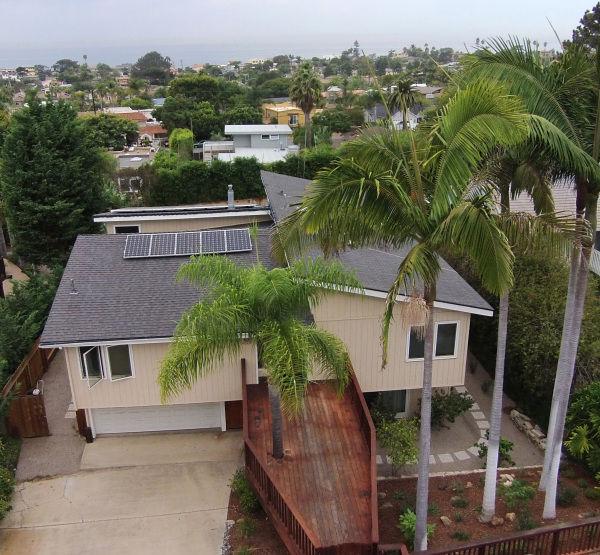 drone shot of home in Encinitas, CA
