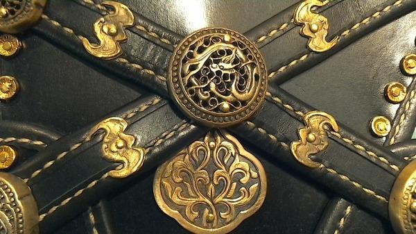 Center cross straps