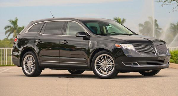 We proudly offer Lincoln MKT Town Cars