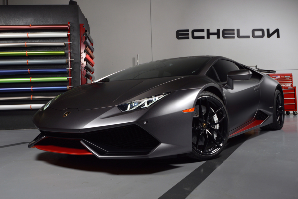 Huracan in Satin Nero Metallic Grey