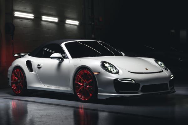 Porsche in Gloss Pearl White