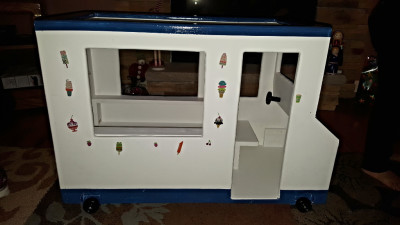Doll Ice Cream Truck (Side View)