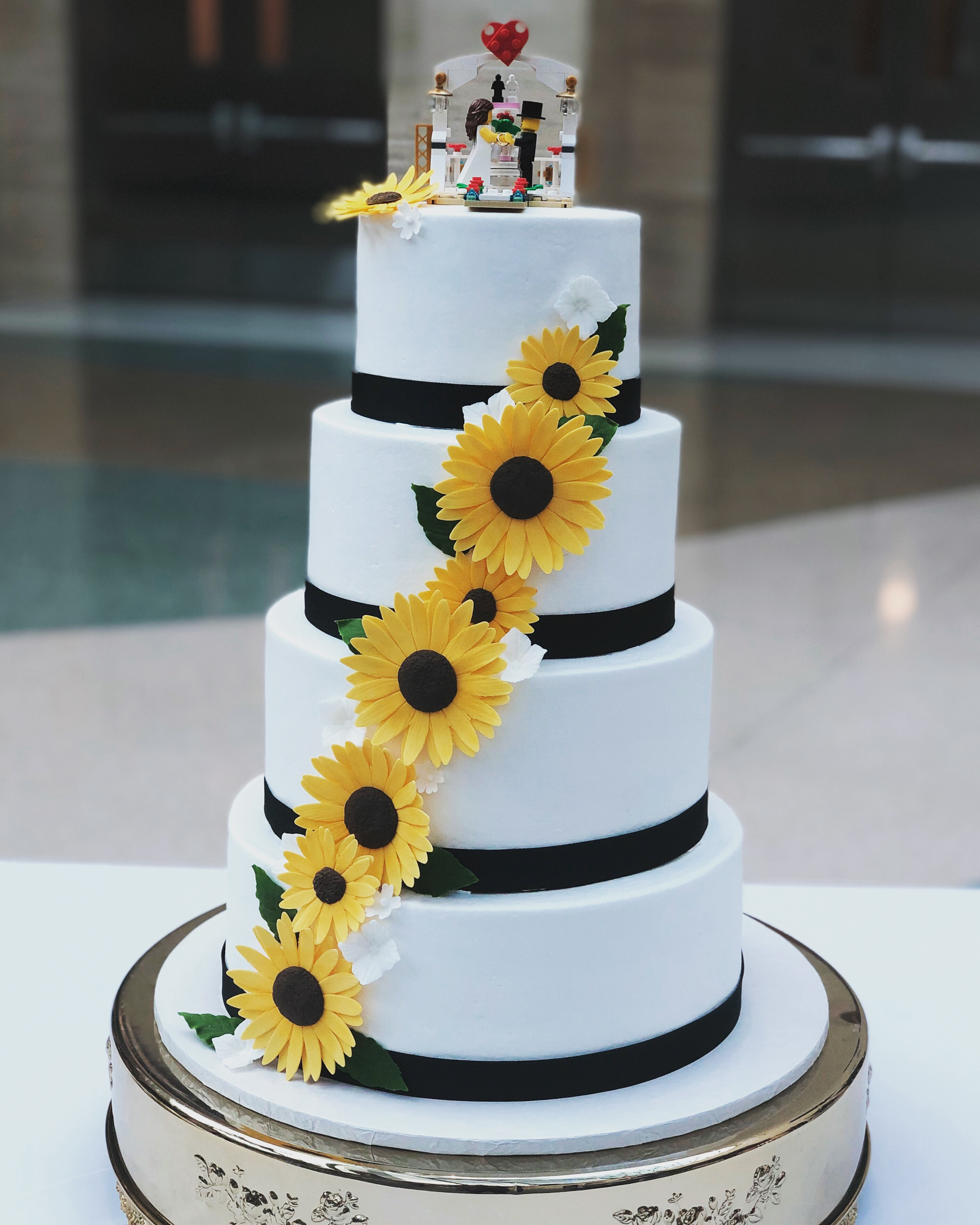 Buttercream and sugar sunflowers