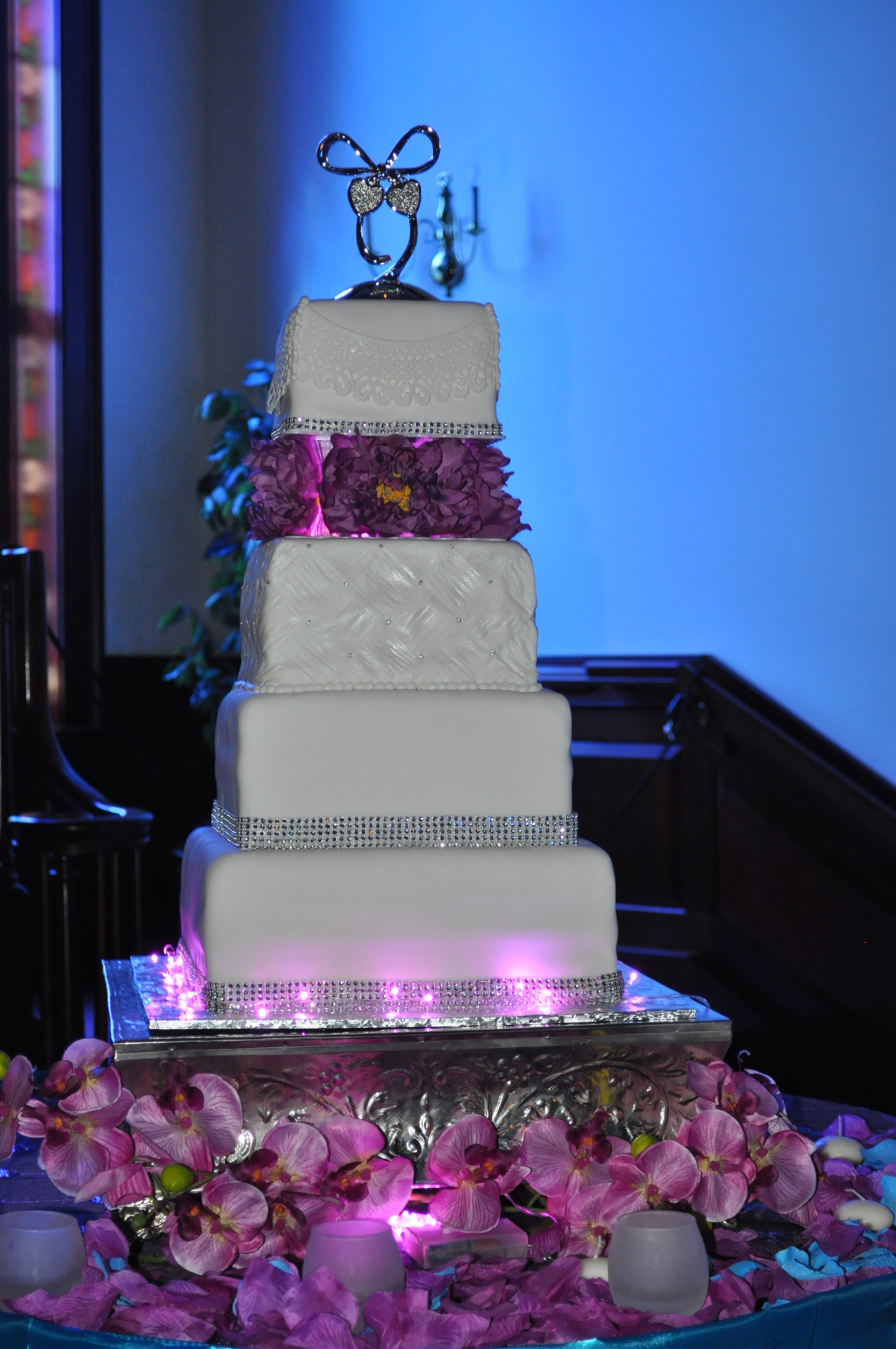 Fondant square tiers with silk flowers