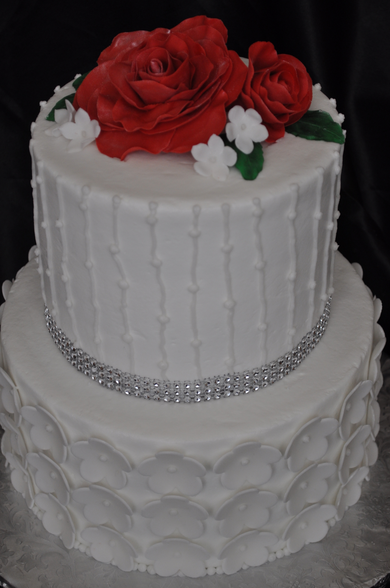 Flower tier and red sugar roses