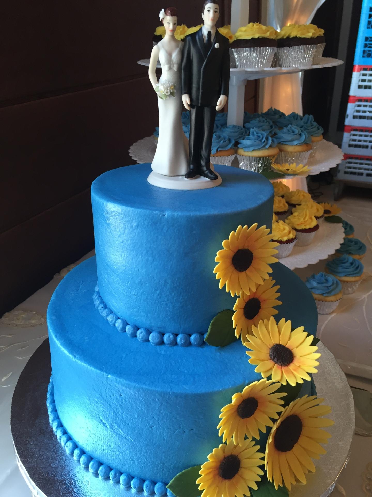 Sunflowers cake/cupcake tower