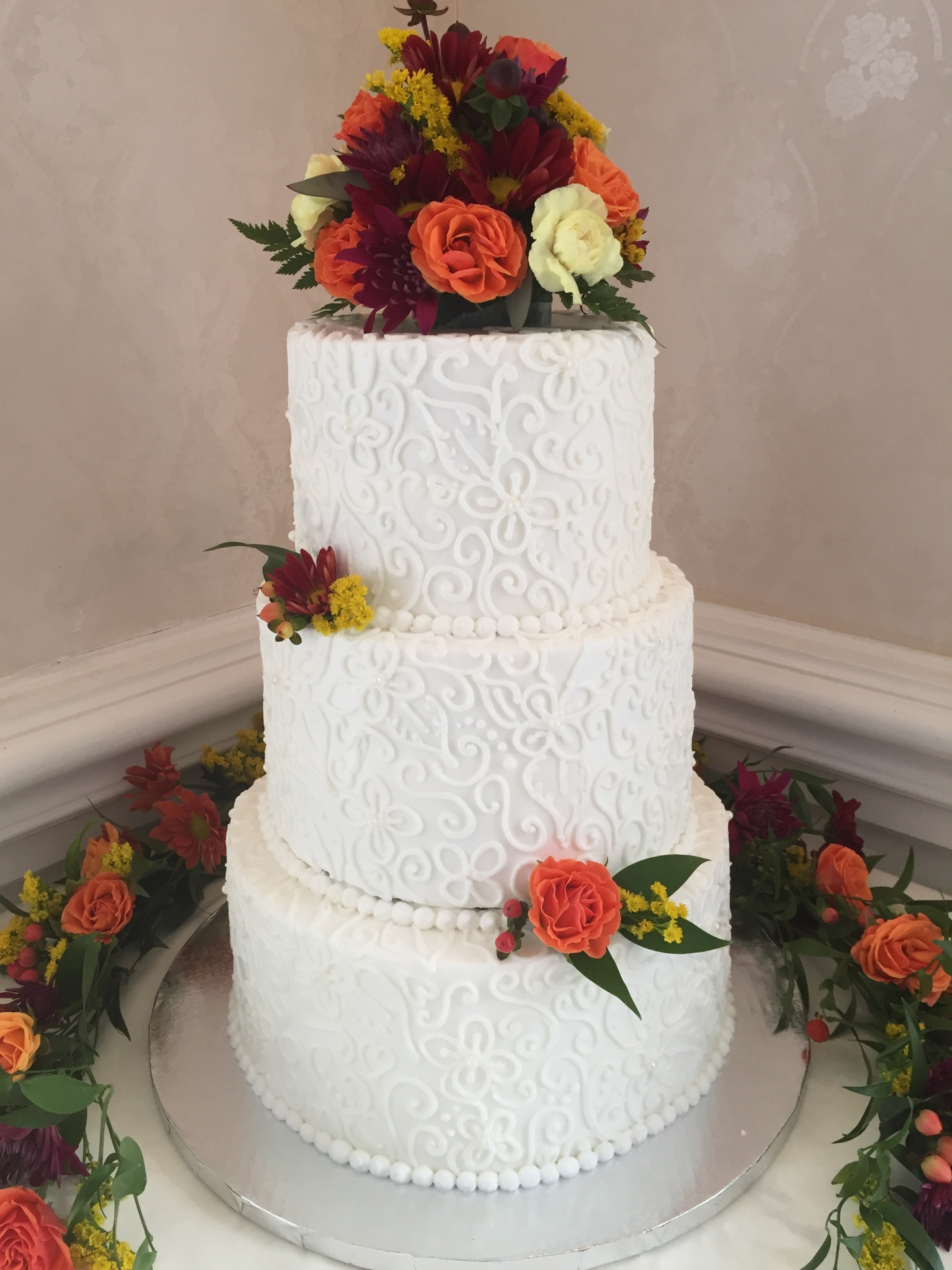 Freehand piping and fresh fall flowers