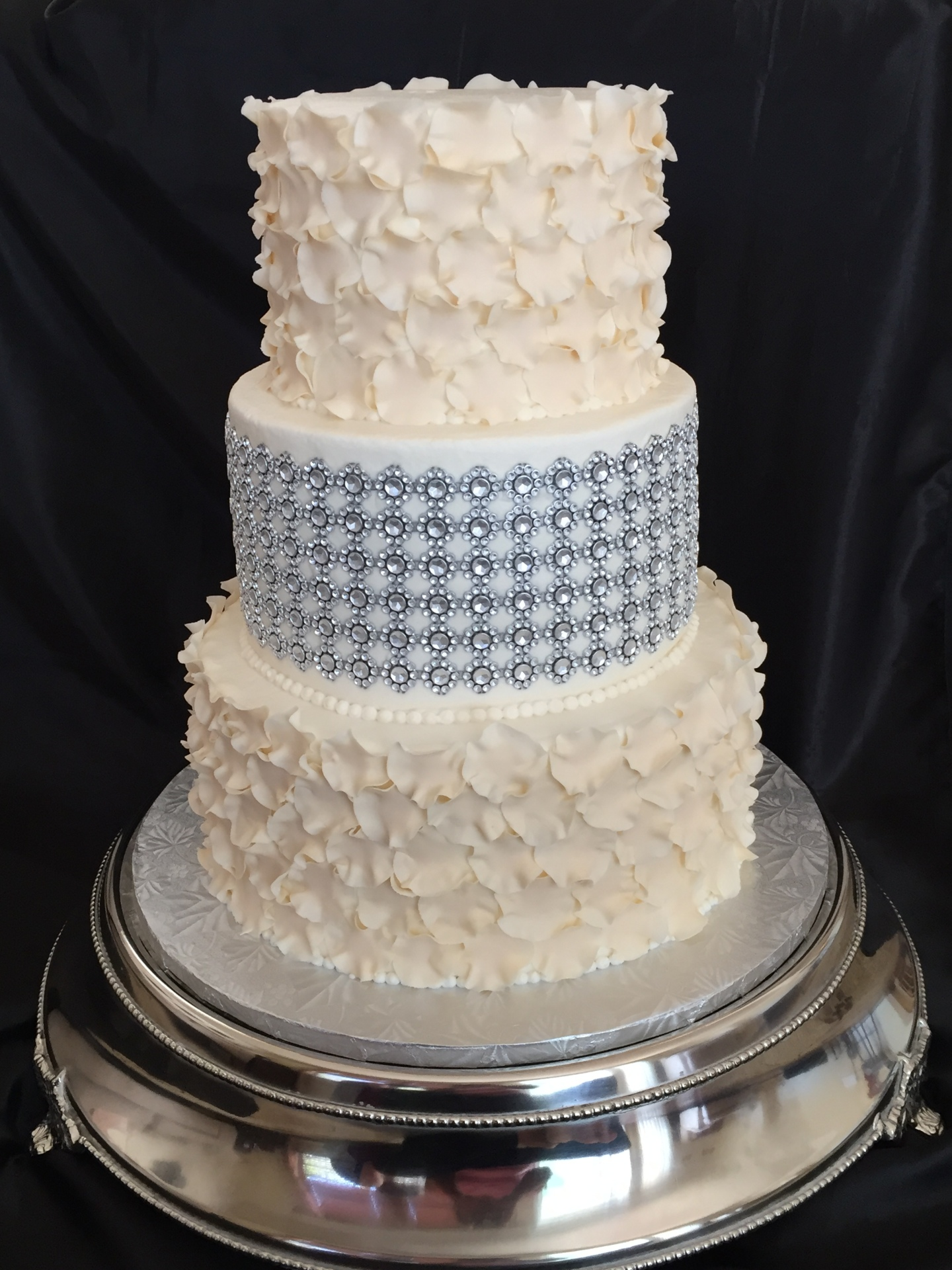 White petal tiers and glam band