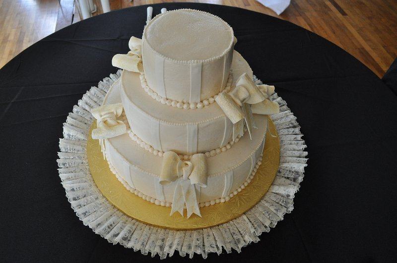 Ivory bows 3 tier
