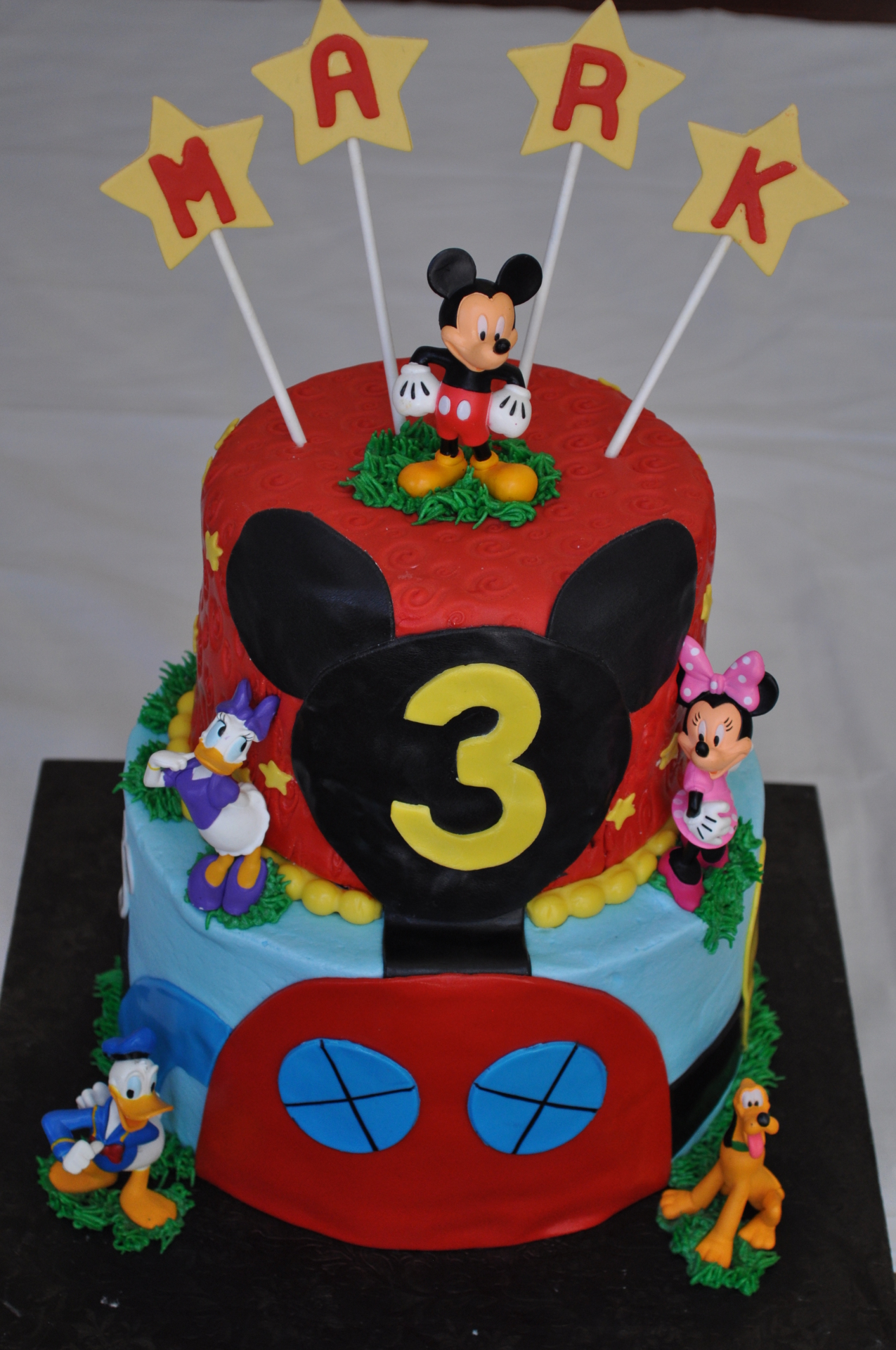 Disney's Mickey Mouse Clubhouse cake