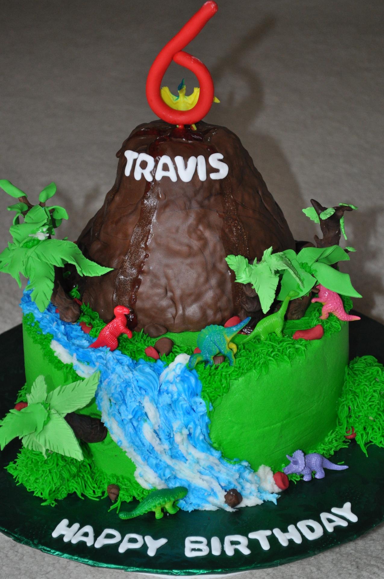 Dinosaur cake,volcano cake