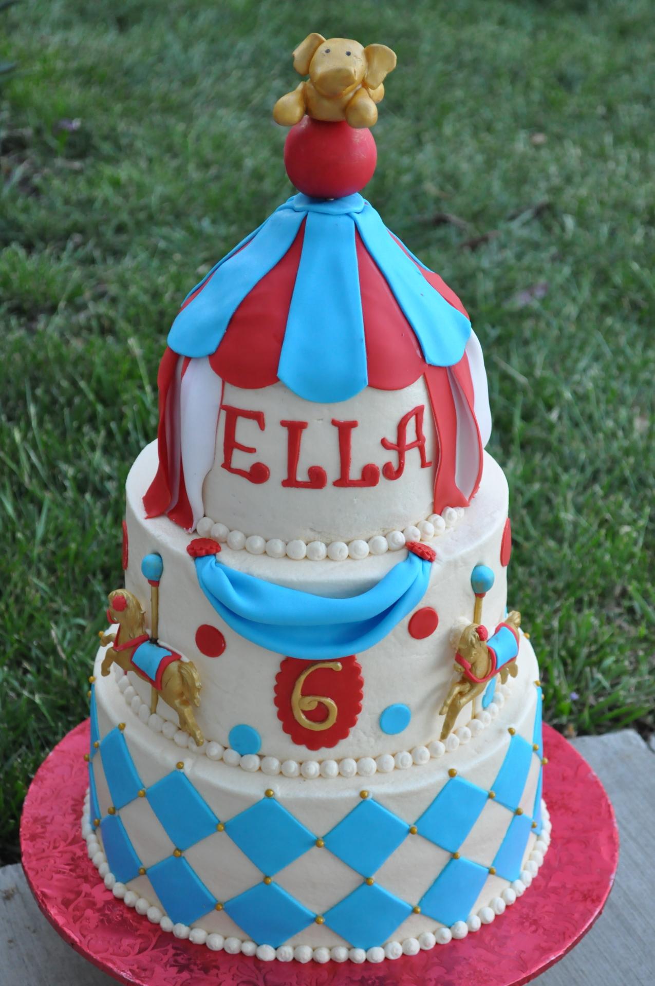 Carousal theme cake