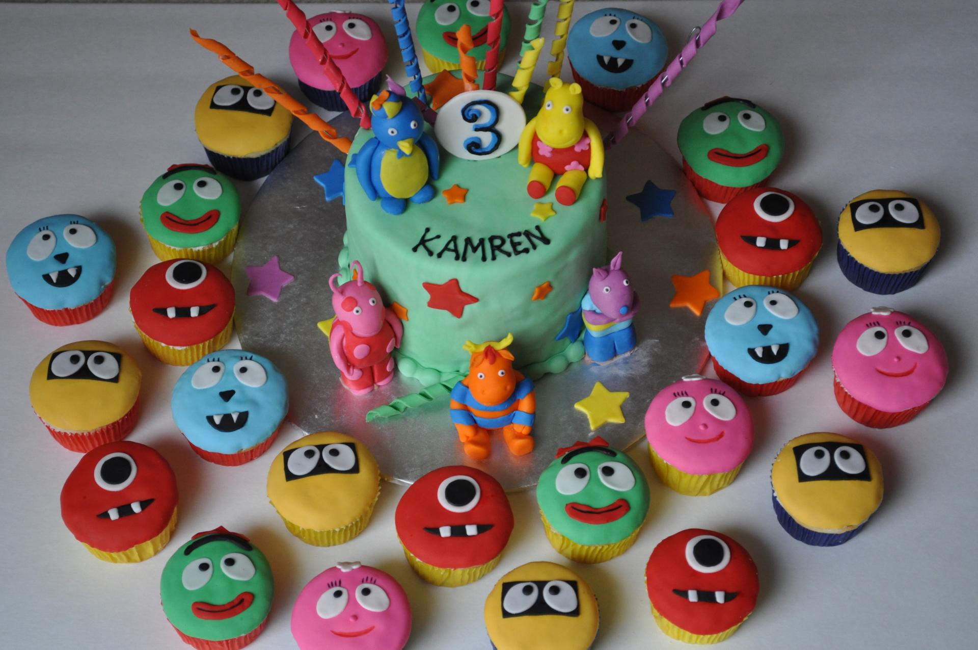 Backyardigans cake cupcakes