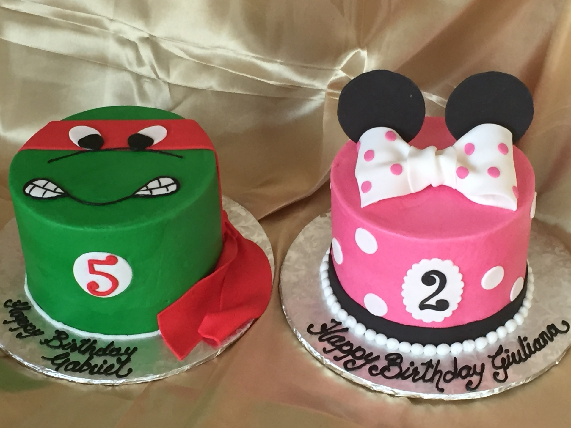 TMNT and Minnie mouse cakes
