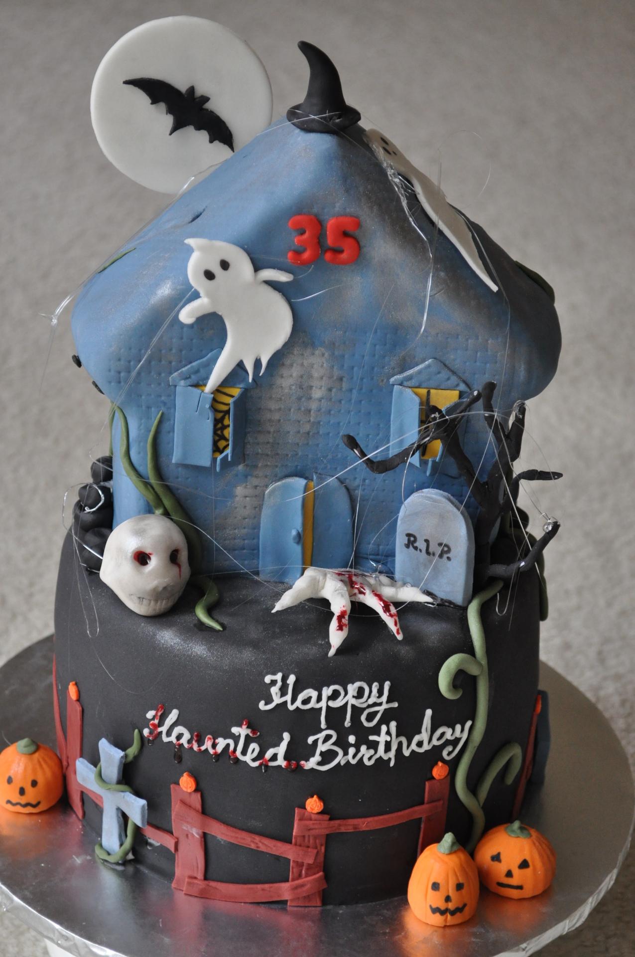Haunted house cake, halloween cake,spooky cake