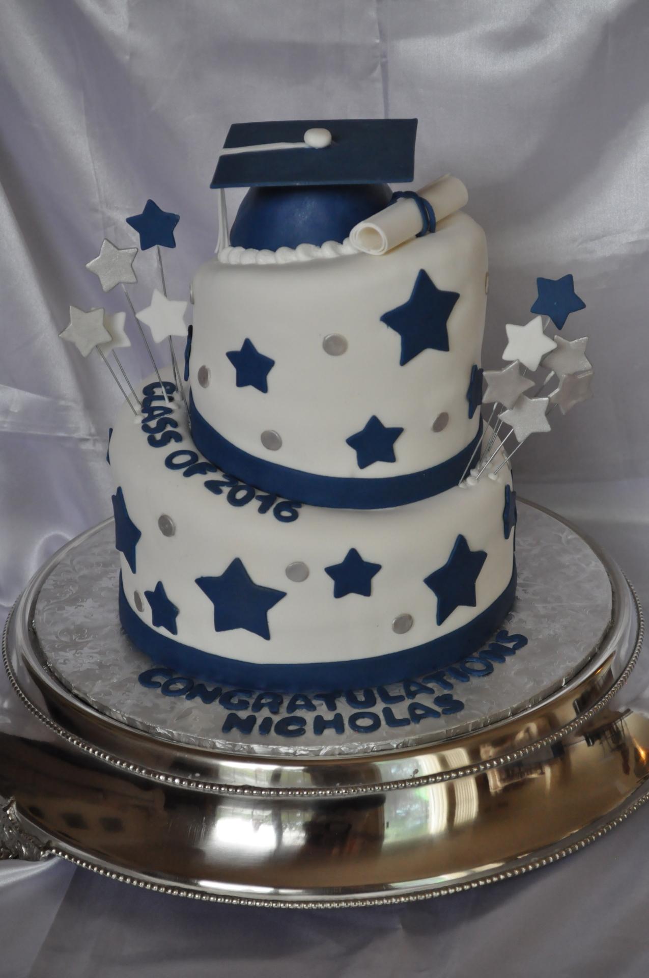 Graduation topsy turvy cake