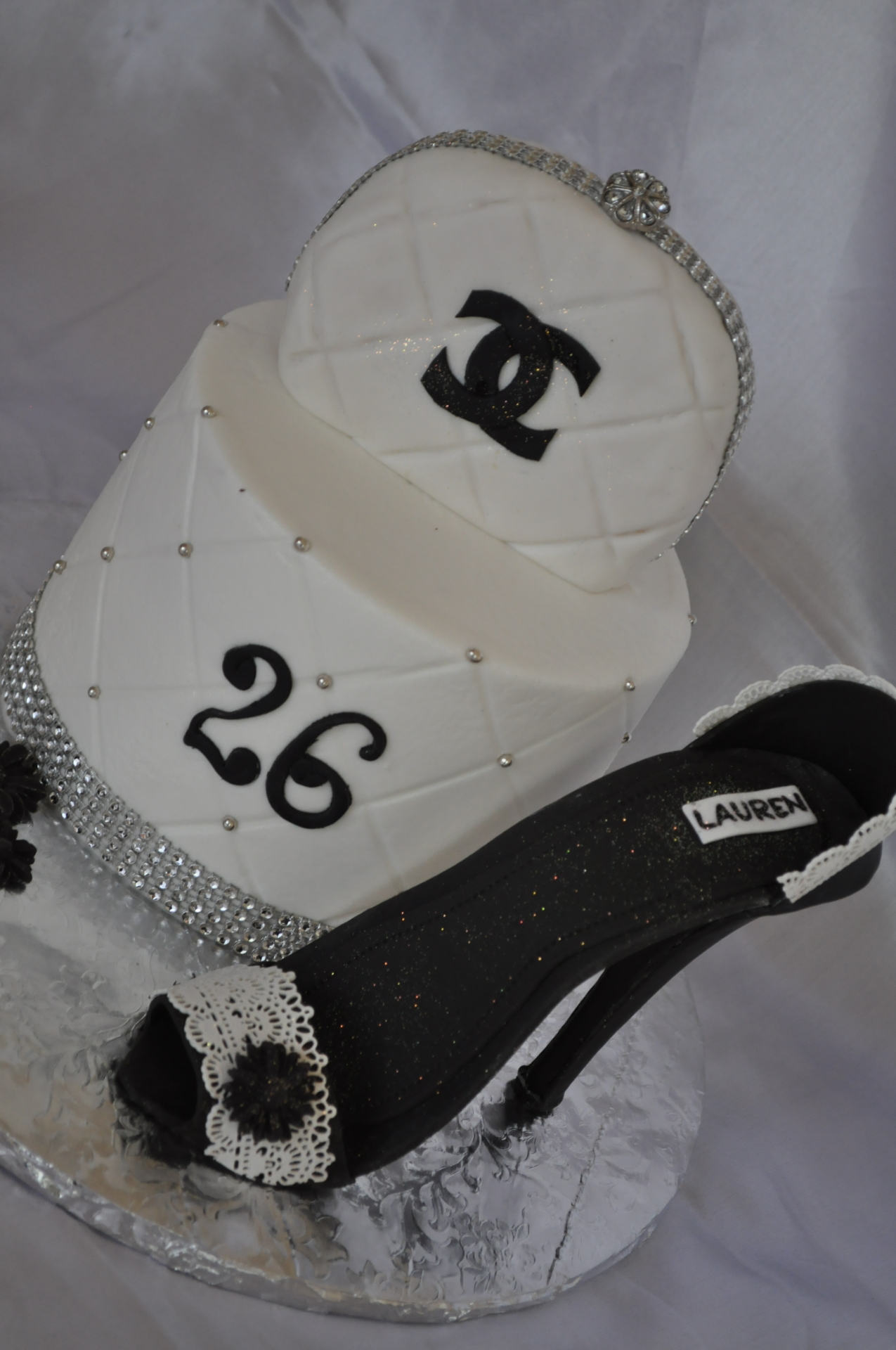 Black heel purse Chanel cake
