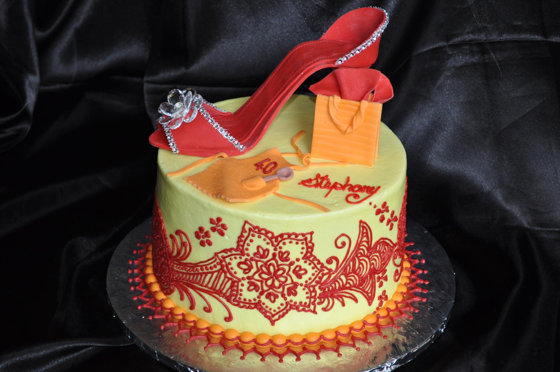Heels and Henna cake-2