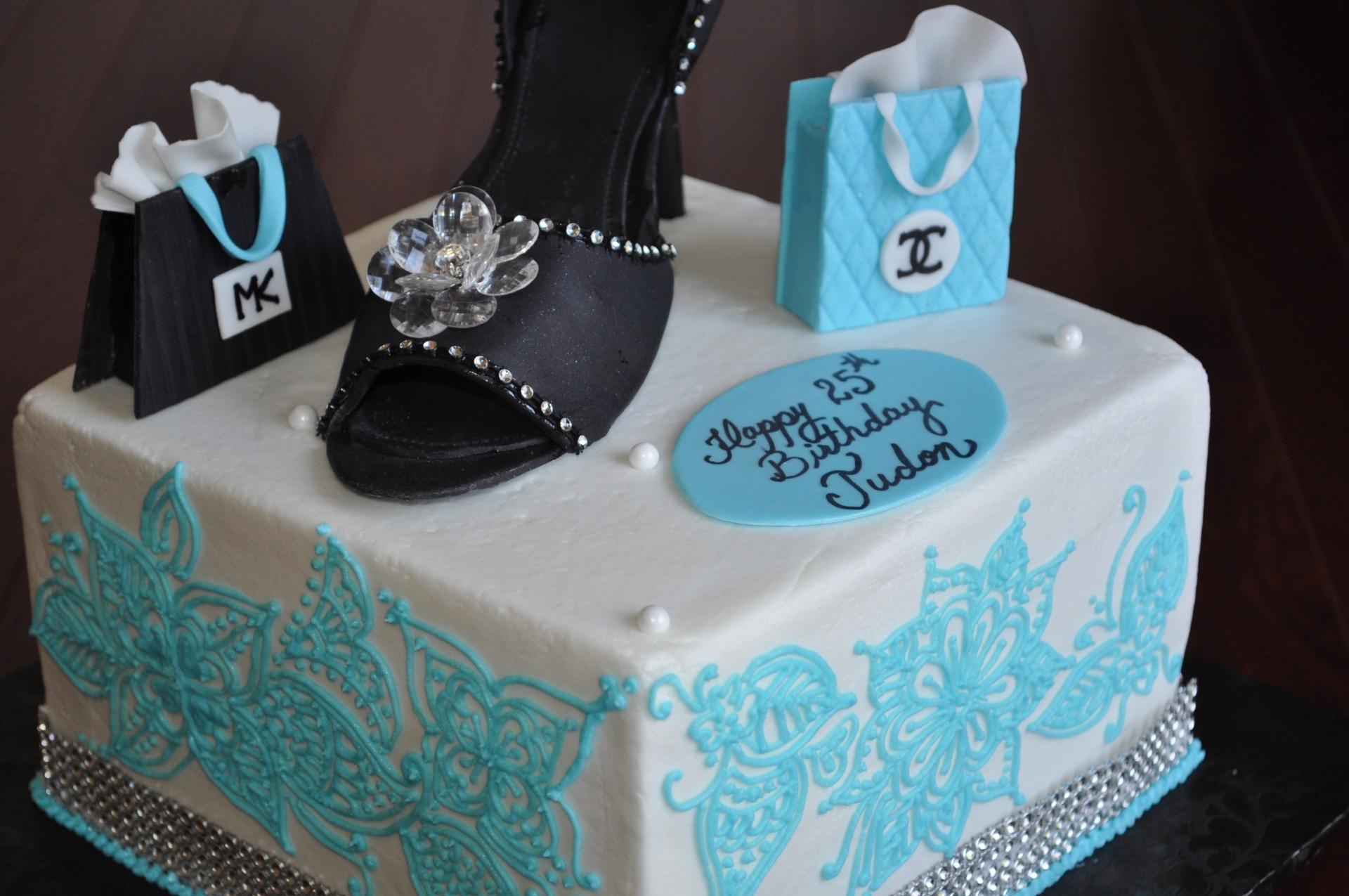 Heels and Henna cake-3