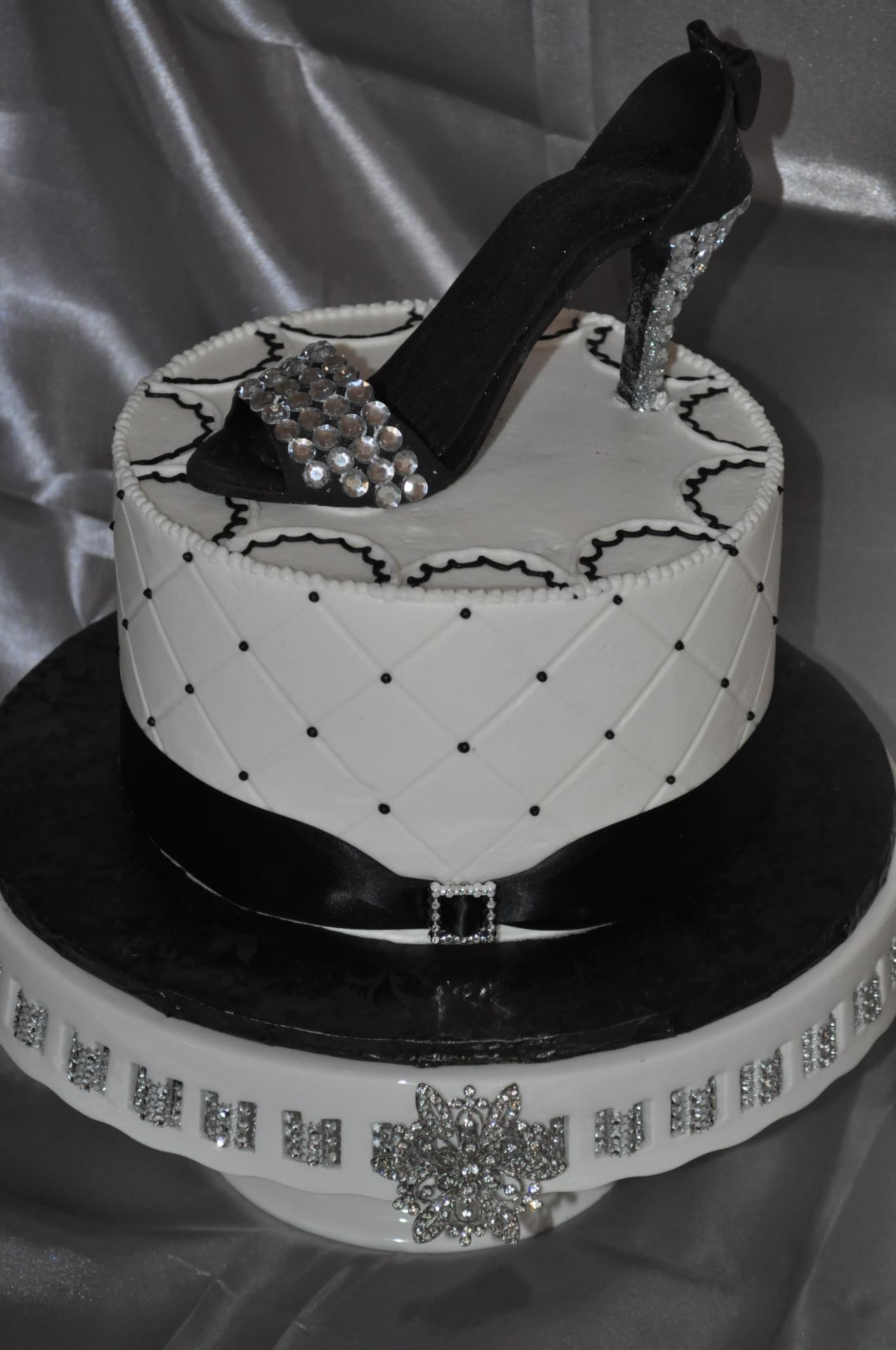 Black heel, glam cake