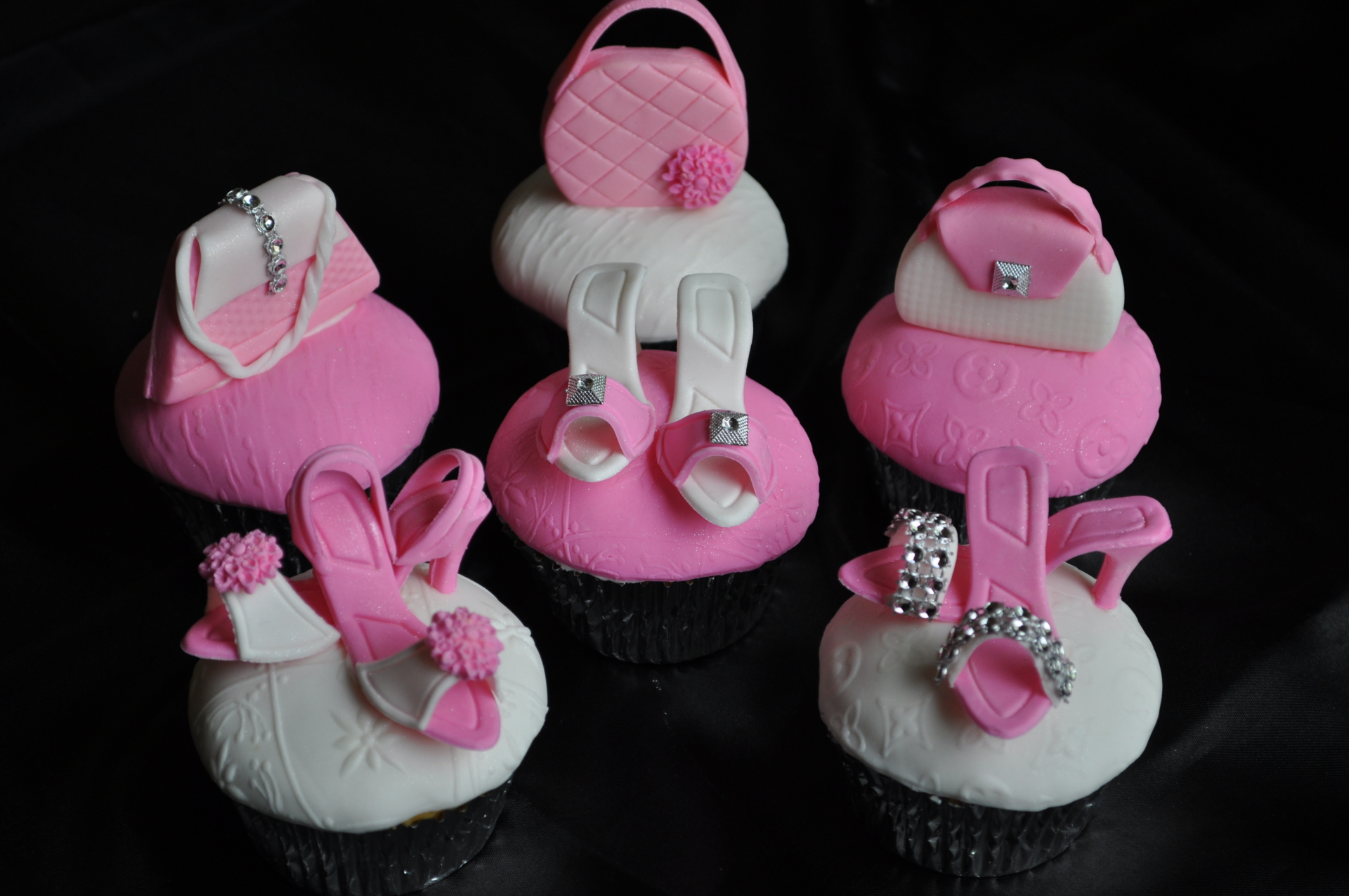 Heels and purses, glam, fashionista cupcakes