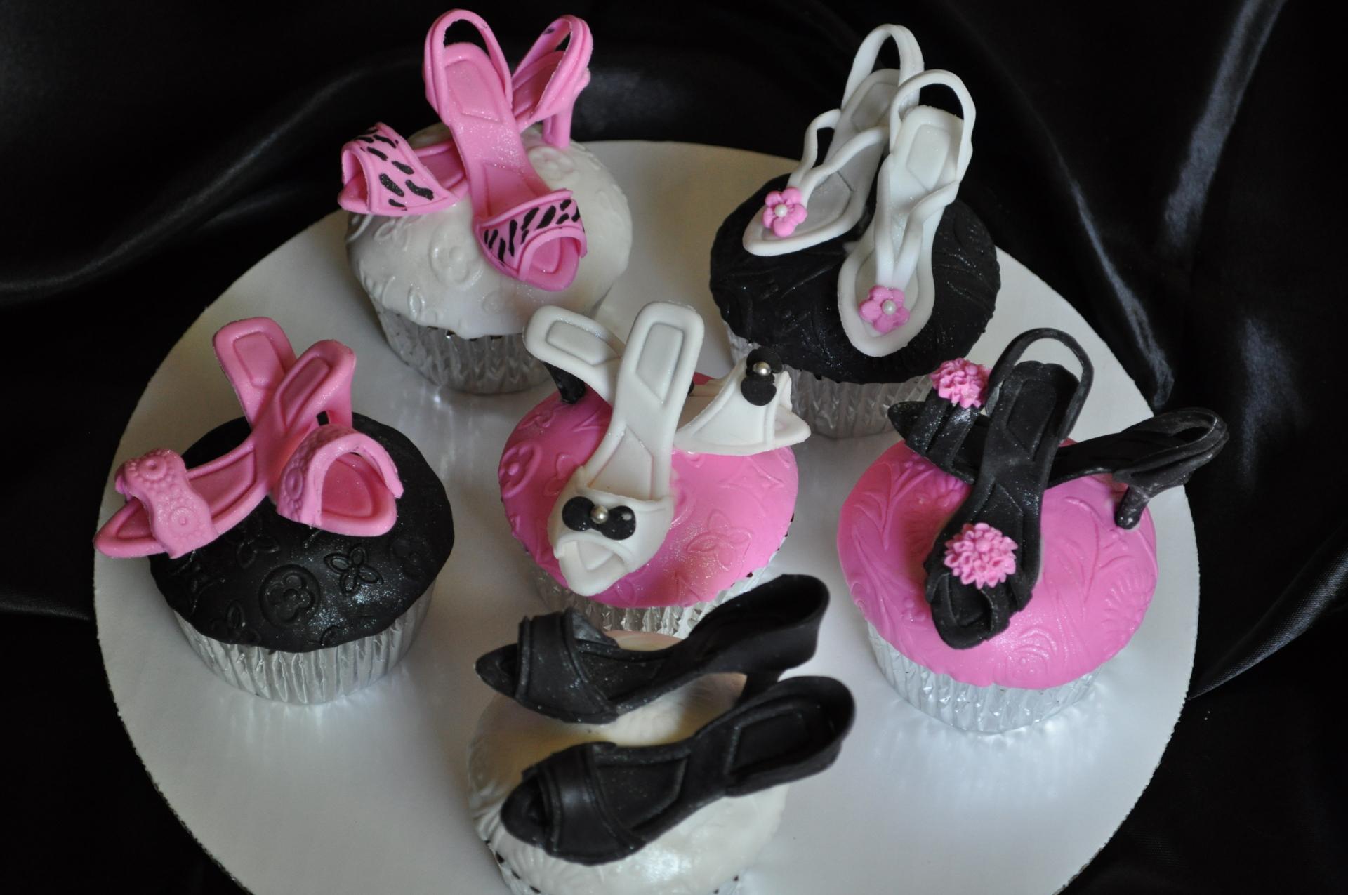 Mini heels cupcakes,glam, fashionista cupcakes