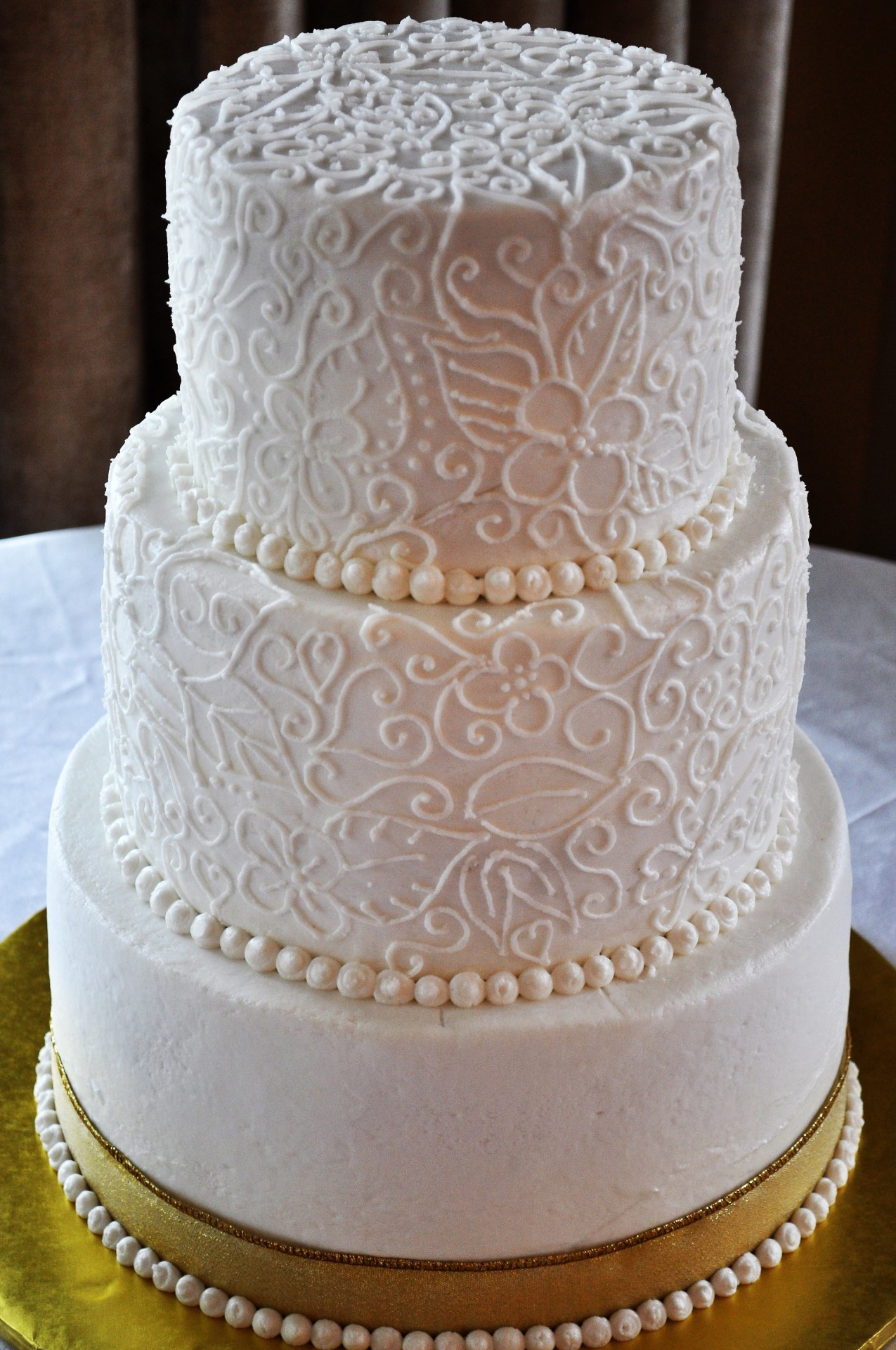 Buttercream freehand piping
